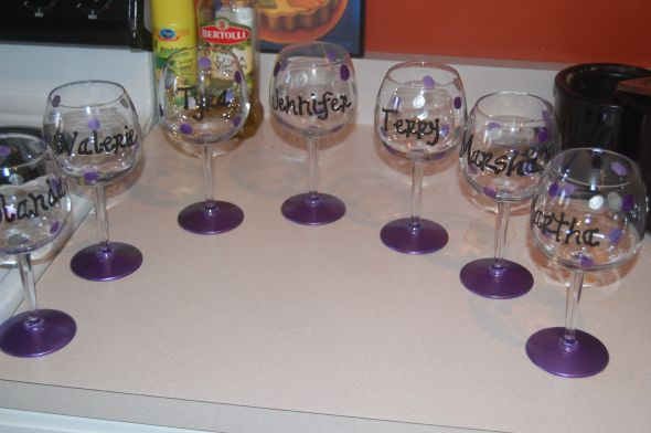 Edible-letters-on-wine-glasses