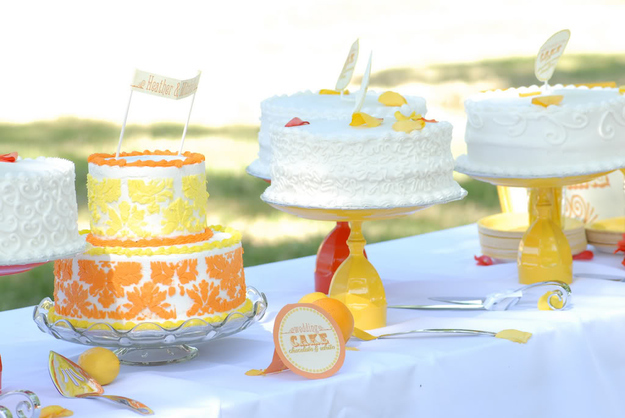Wine-glass-to-make-a-cake-stand