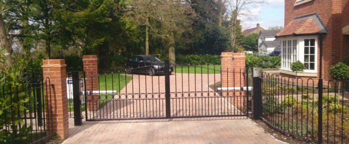 How Automatic Gates Can Make Your Home Safer and Complete