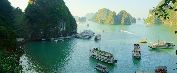 Best Ways to Spend 24 Hours in Halong Bay