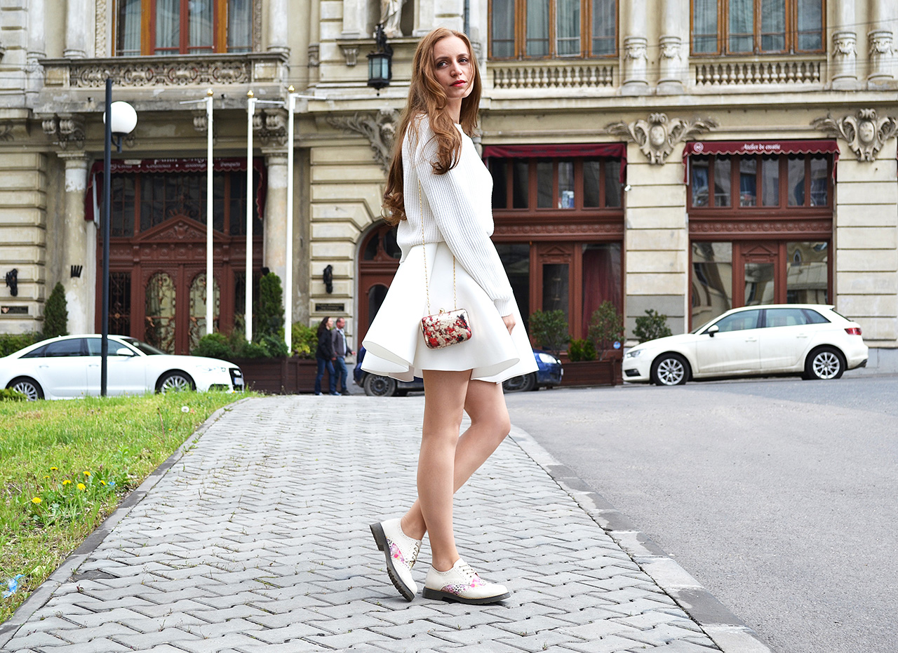all-white-outfit-street-style