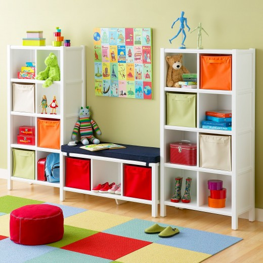 incorporate-child-created-artwork-and-books-at-home