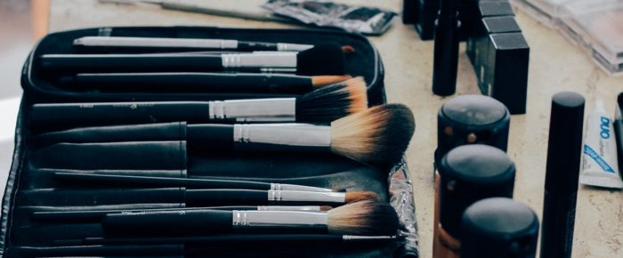 How to Buy Makeup Products from an Online Portal Like a Pro